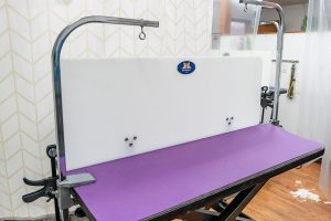 Groomer's Wall - Professional Pet Grooming Table